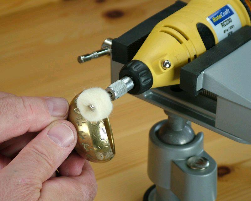 Schraubstock mit Kugelgelenk   Halten   Werkzeuge   Produkte